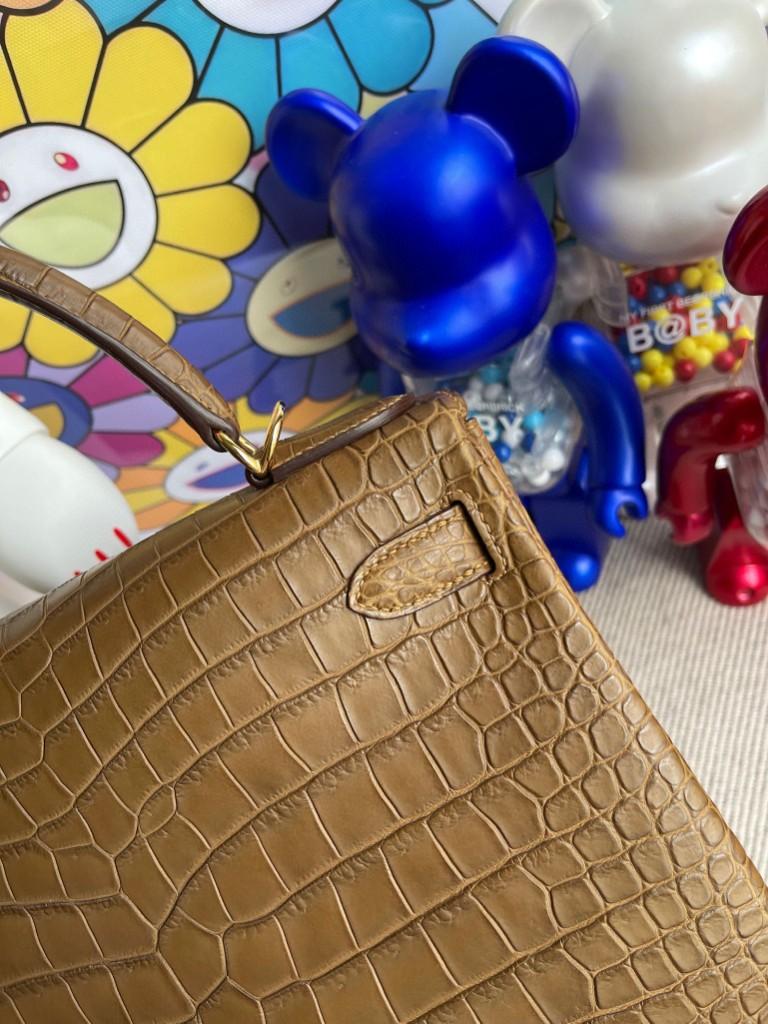 Hermès(爱马仕)Kelly 凯莉包 porosus matt 雾面湾鳄鳄鱼 金棕色 Gold 金扣 28cm 顶级手缝