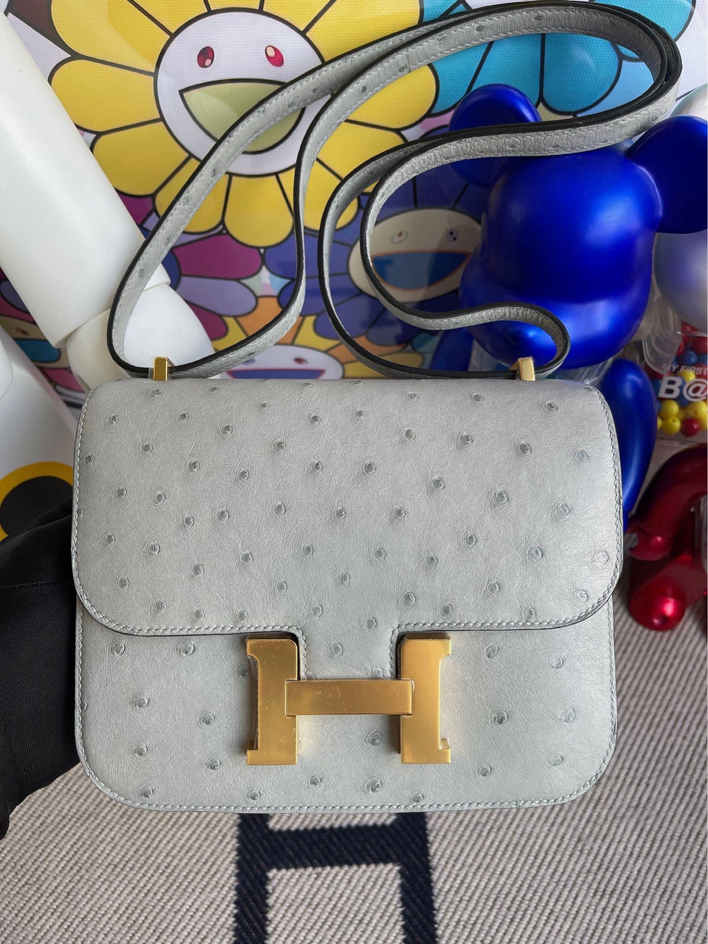 Hermès(爱马仕)Constance 空姐包 Ostrich kk鸵鸟 8U 冰川蓝 Blue glacier 金扣 18cm 顶级手缝