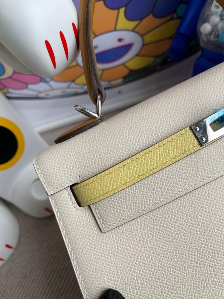 Hermès(爱马仕)Kelly 凯莉包 Epsom 原厂掌纹皮 奶油白拼芝麻色拼小鸡黄 银扣 马蹄印 25cm