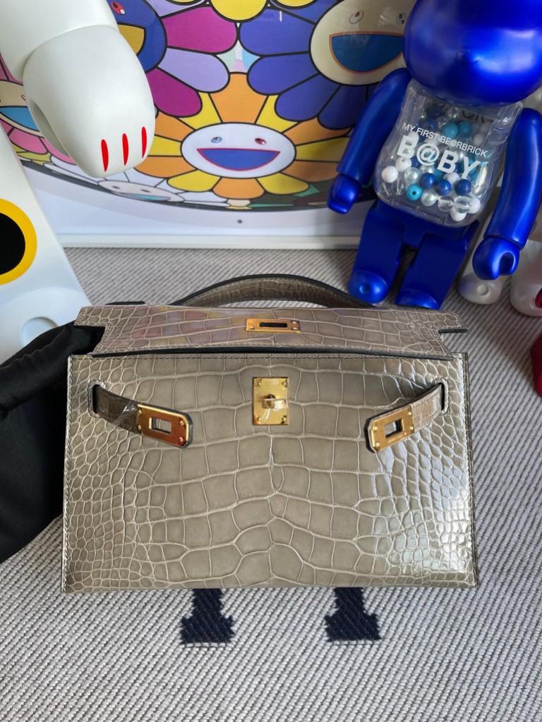 Hermès(爱马仕)Mini kelly pochette Alligator shiny 亮面鳄鱼 ck81 斑鸠灰 金扣 22cm 顶级手缝 现货