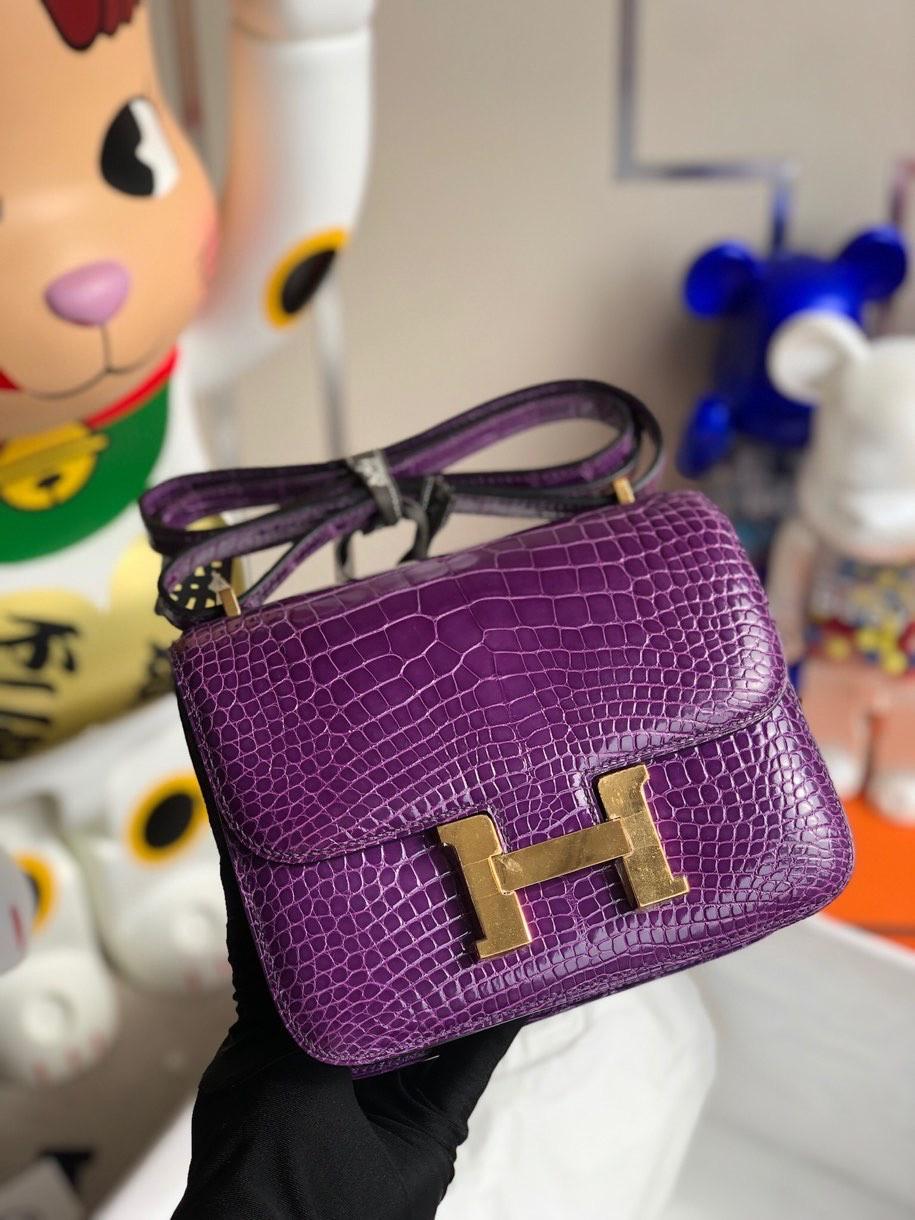 Hermès(爱马仕)Constance 空姐包 Alligator shiny 亮面鳄鱼 极度紫 金扣 18cm 顶级手缝 现货
