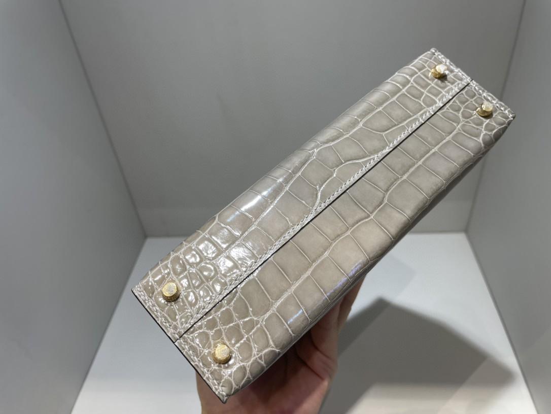 Hermès(爱马仕)Mini kelly ll Alligator shiny 亮面鳄鱼 ck81 斑鸠灰 金扣 顶级手缝 现货