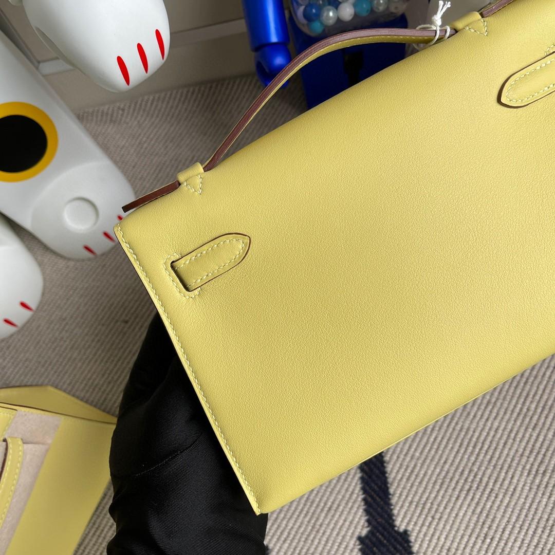 Hermès(爱马仕)最新色 Mini kelly pochette 1Z 小鸡黄 Swift 银扣 22cm