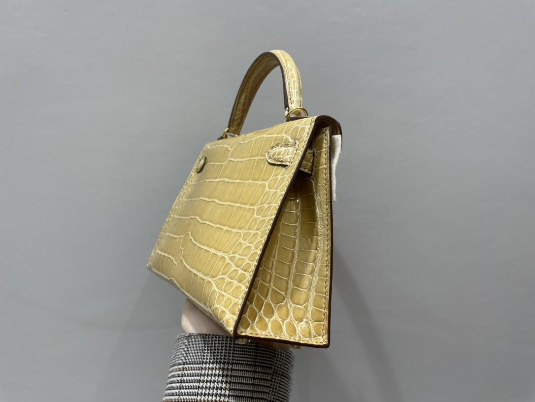 Hermès(爱马仕)Mini kelly ll Alligator shiny 亮面鳄鱼 杏黄 金扣 顶级手缝 现货