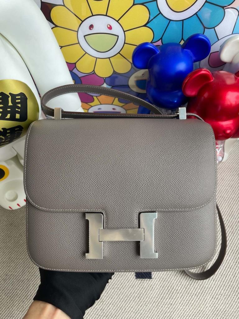 Hermès(爱马仕)Constance 空姐包 Epsom 原厂掌纹皮 8F 锡器灰 Etain 银扣 24cm