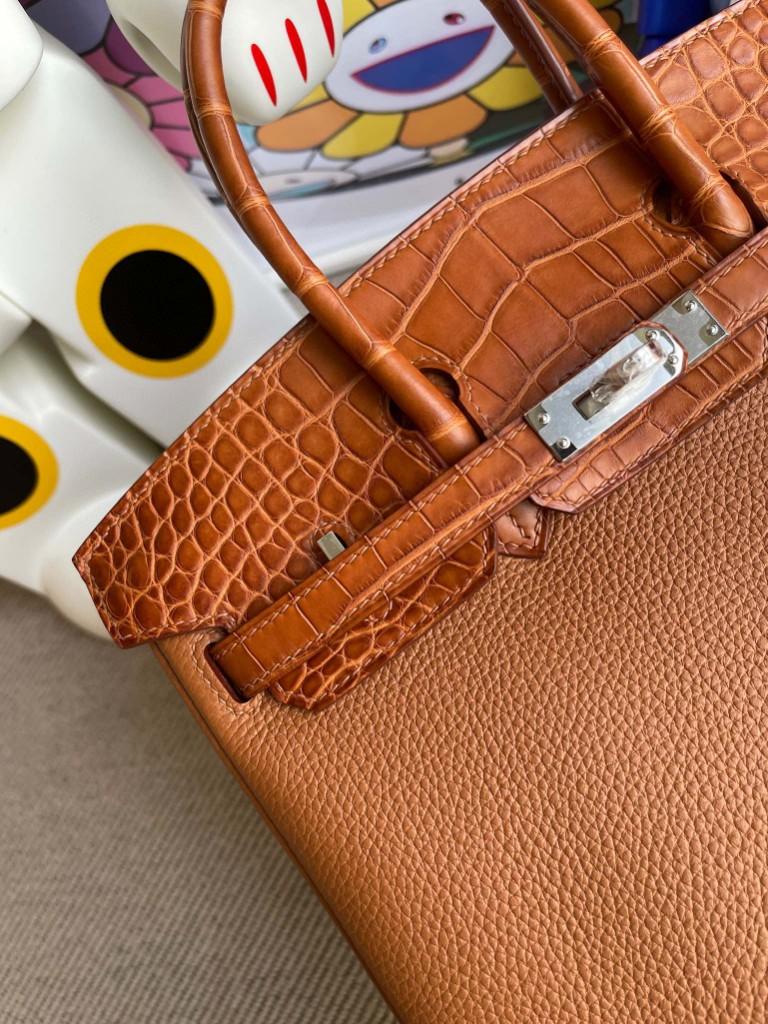 Hermès(爱马仕)Birkin Touch 系列 金棕色 雾面棕色鳄鱼 银扣 25cm 顶级手缝