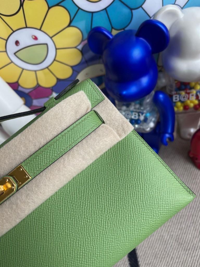 Hermès(爱马仕)Mini pochette Epsom 原厂掌纹皮 3I 牛油果绿 金扣 22cm 手拿包 晚宴包