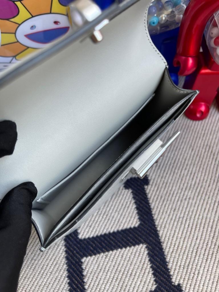 Hermès(爱马仕)Verrou 插销包 Ostrich kk鸵鸟 8U 冰川蓝 银扣 17cm 顶级手缝