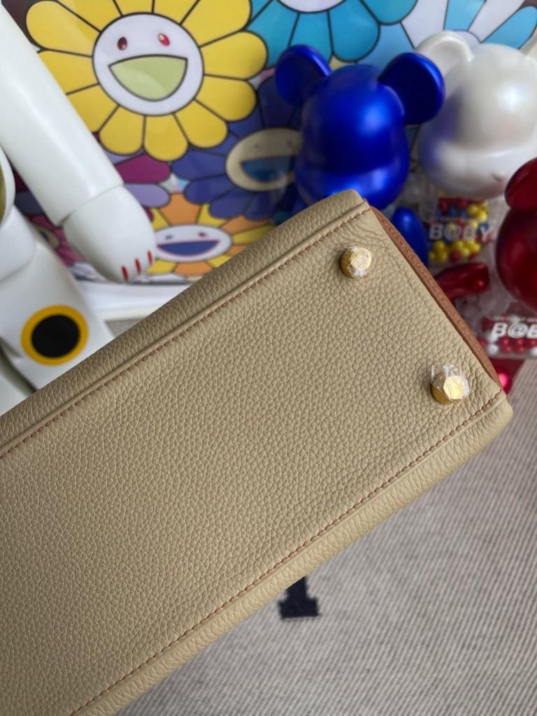 Hermès(爱马仕)Kelly 凯莉包 原厂小牛皮 togo 风衣灰金棕色 金扣 25cm 马蹄印 顶级手缝