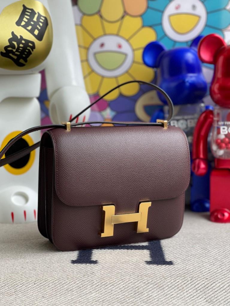 Hermès(爱马仕)Constance 空姐包 Epsom 原厂掌纹皮 波尔多酒红 Bordeaux 金扣 18cm