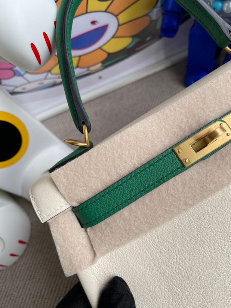 Hermès(爱马仕)Kelly 凯莉包 Evecolor ck10 奶昔白 拼丝绒绿 磨砂金扣 马蹄印 25cm 顶级手缝