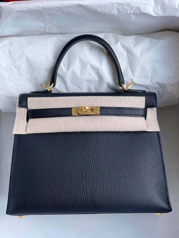 Hermès(爱马仕)Kelly 凯莉包 Chevre Ck89 黑色 内拼 i6 极致粉 拉丝金扣 25cm