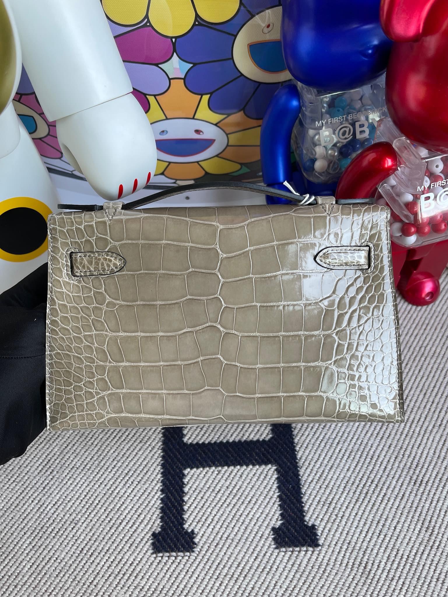 Hermès(爱马仕)mini kelly pochette Alligator shiny 亮面鳄鱼 ck81 斑鸠灰 Gris T 银扣 22cm 晚宴包