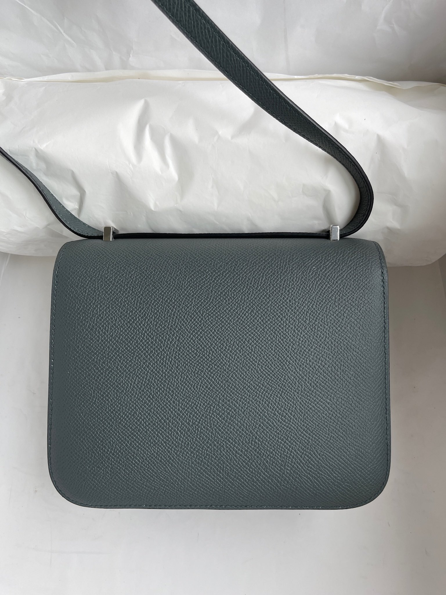 Hermès(爱马仕)Constance 康斯坦斯 Epsom 原厂掌纹皮 cc63 杏绿色 银扣 18cm 顶级手缝