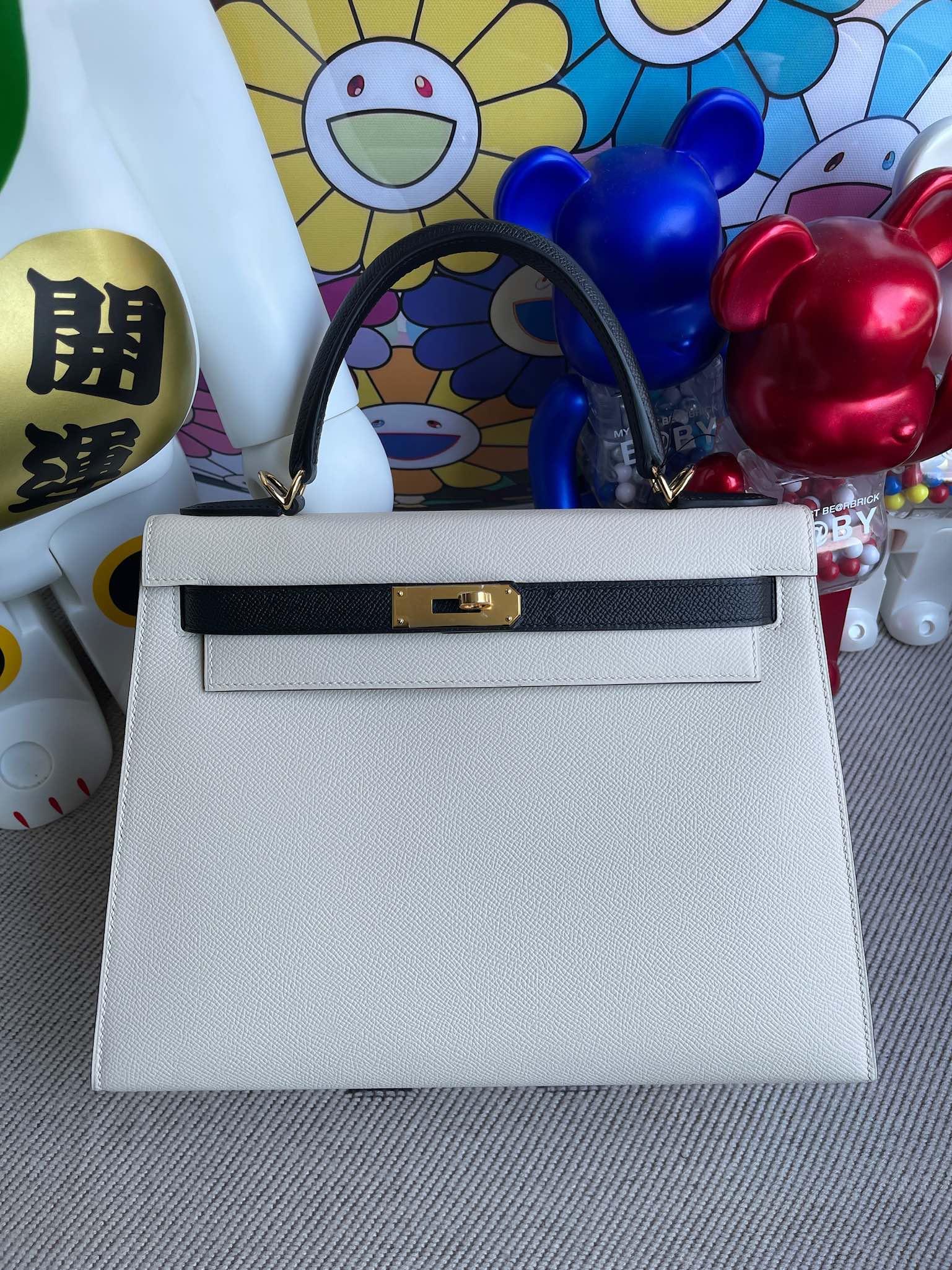 Hermès(爱马仕)Kelly 凯莉包 Epsom 原厂掌纹皮 奶昔白 拼 黑色 金扣 28cm 马蹄印 顶级手缝