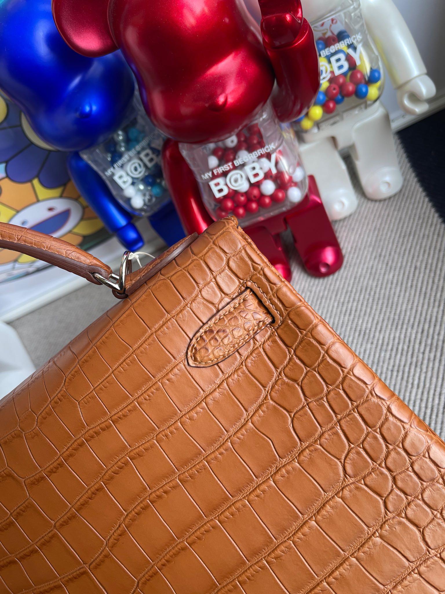 Hermès(爱马仕)Kelly 凯莉包 Porosus matt 雾面鳄鱼 金棕色 Gold 银扣 32cm 顶级手缝