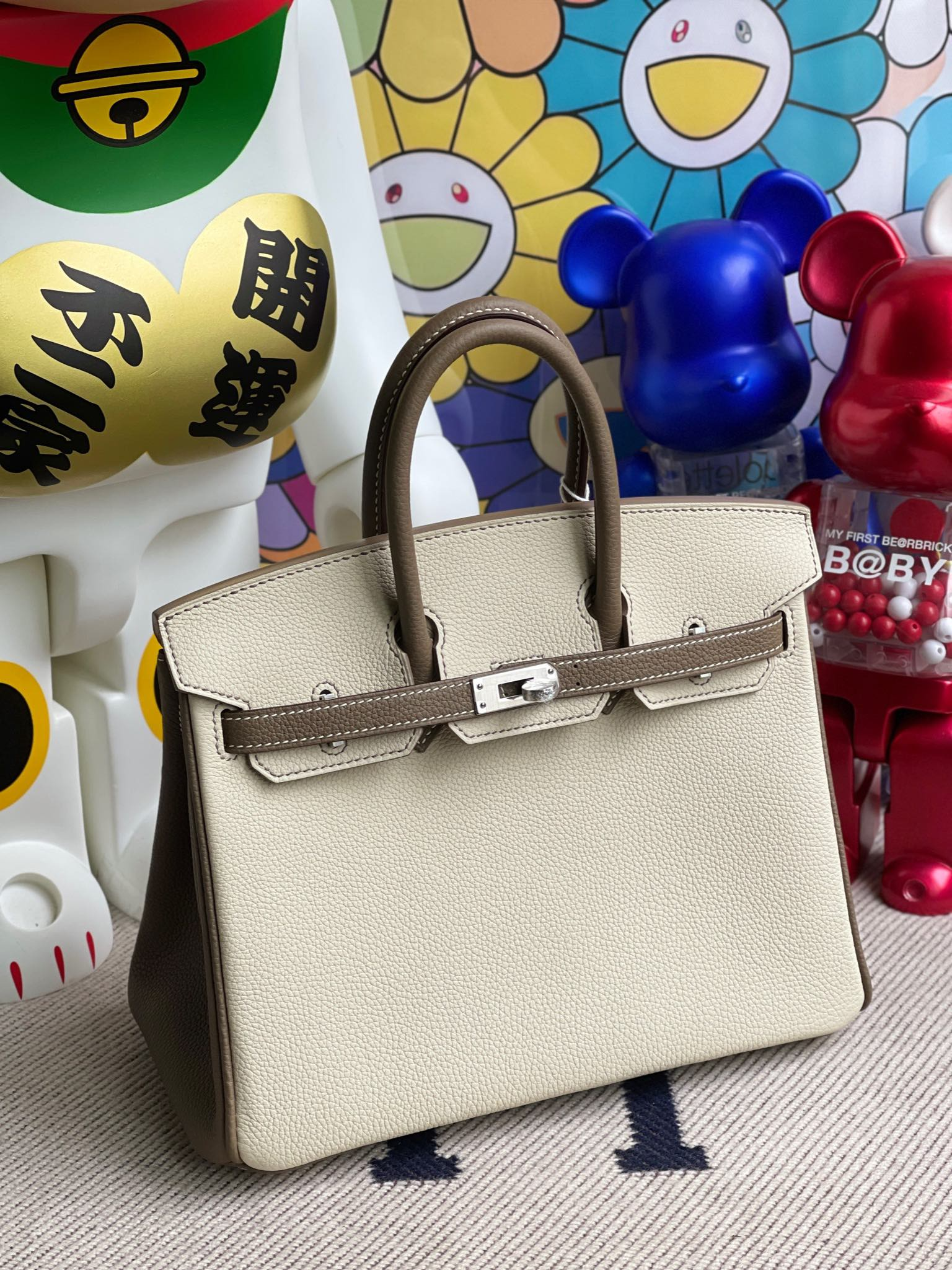 Hermès(爱马仕)Birkin 铂金包 原厂小牛皮 togo 奶昔白 拼 大象灰 银扣 马蹄印 25cm 顶级手缝